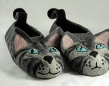 ADULT sizes felted grey cats slippers made to ORDER/  handmade house shoes /funny slippers wet felted cats slippers adult cat slippers