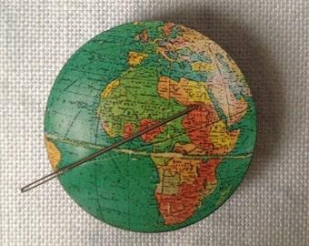 Green Globe Needle Knack