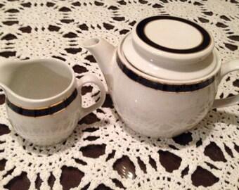 Royal Doulton China Hotelware England Steelite Teapot and Creamer