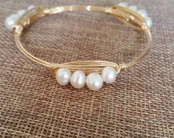 Small Pearl Cluster Gold Wire Bangle
