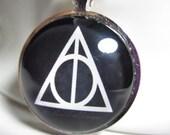 Harry Potter Jewelry - Deathly Hallows Necklace - Art Pendant - Black - Unisex - Glass Charm