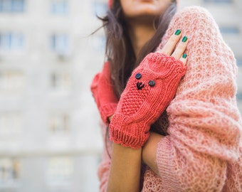 Knited Coral Owl Wrists / Mittens / Fingerless Gloves. Handmade