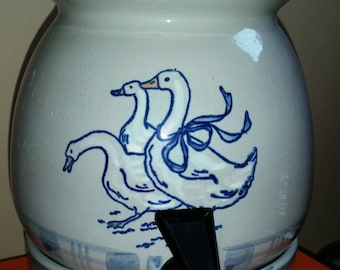Louisville Stoneware Gaggle of Geese Beverage Dispenser