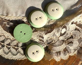 Vintage buttons, pastel green buttons, pastel light green buttons, vintage green buttons, aquamarine buttons,  vintage wood buttons