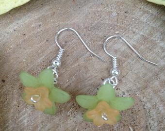 Spring Daffodil Earrings