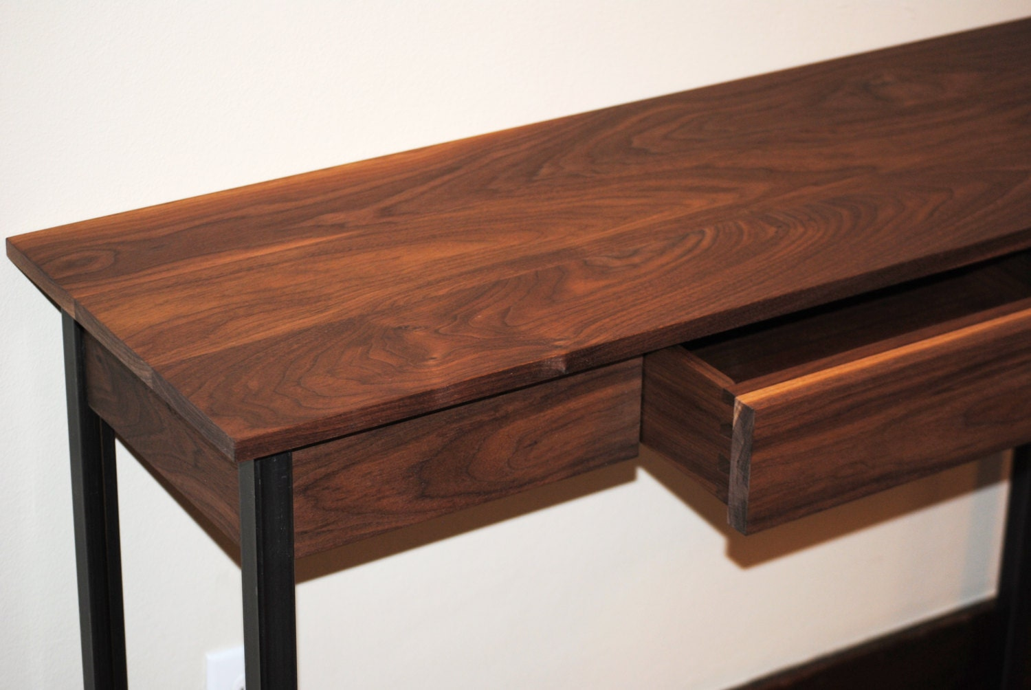 Metal Foyer Table : Walnut entryway table with metal legs a great sofa or