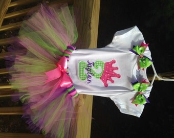Personalized First Birthday Tutu Outfit with Crown. 1st 2nd 3rd 4th. Custom Made Little Girl Bodysuit. Embroidered Number and Crown shirt