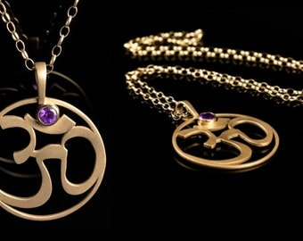 AUM talisman pendant in yellow gold with Amethyst