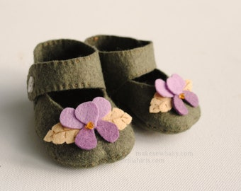 Hello Violet Felt Baby Shoe Pattern Mary Jane with Violet Flowers Printable PDF