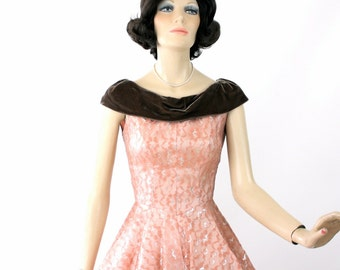 Vintage 50s Cocktail Formal Dress Pink & Silver Lace w Brown Velvet Collar Full Circle Skirt Bust 38