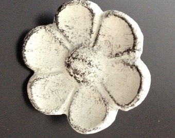 Cast Iron Cupped Flower Cabinet Knob, Drawer Pull, Closet Door Knob, Antique White