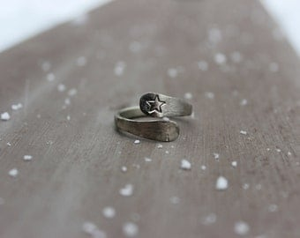 Hammered star ring, star jewelry