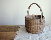 Vintage Hand Woven Basket, Wicker Basket, Country Home Decor