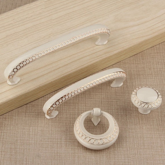 Dresser Knobs Handles Drawer Pulls Handles Knob White Gold Circles / French Country Kitchen