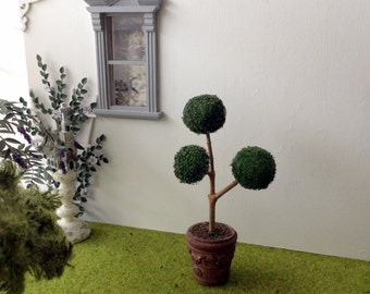 Topiary tree plant miniature Dollhouse scale 1:12