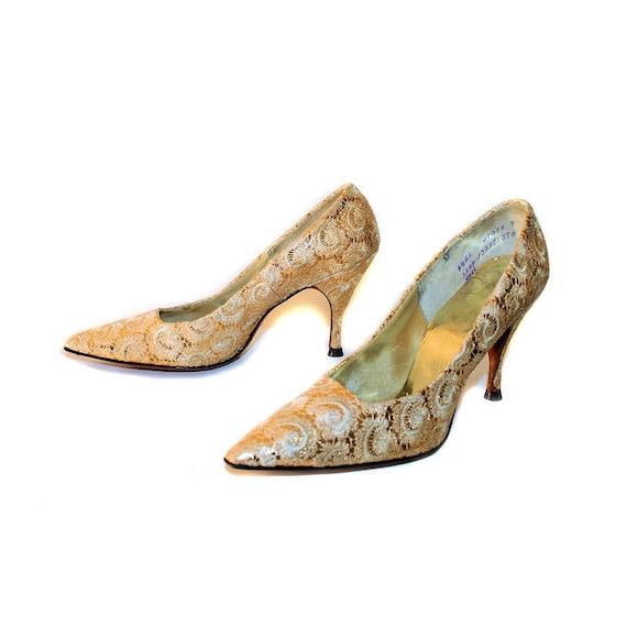 Golden Glow 1950s Heels, Gold Brocade Pumps size 6.5 AA, Deadstock Metallic Lace Stilettos, Baroque Shoes