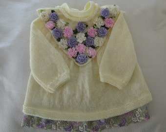 Garment baby yellow life jacket and small flowers hand-made knitting(sweater)
