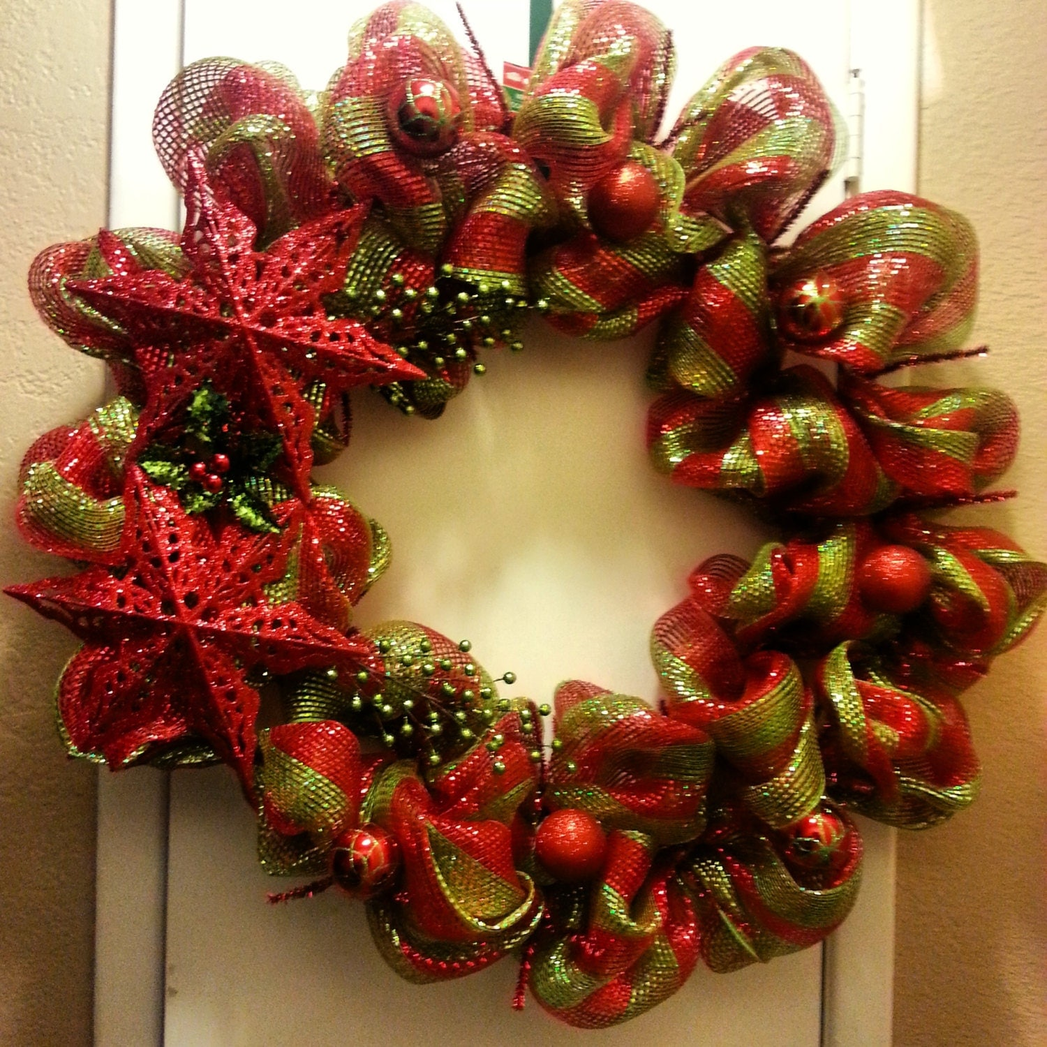 Christmas Stars Red/Green Wreath.BIG. shinny. deco mesh. ornaments. GIFT