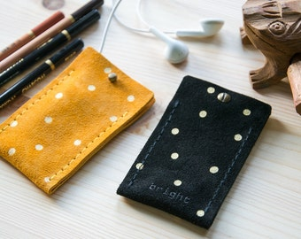 Apple iPod Nano 7g GOLDEN DOTS leather case * ipod sleeve / ipod nano case / genuine suede leather in black & mustard yellow // quick access