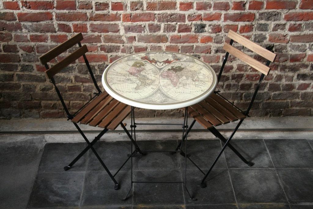 set 1 table bistrot 2 chaises pliantes. Black Bedroom Furniture Sets. Home Design Ideas