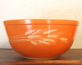 Vintage Pyrex Autumn Harvest 2.5 Quart #403