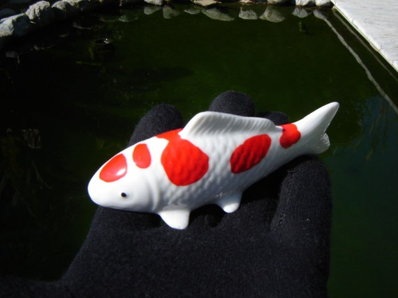 Koi fish porcelain figurine nishikigoi konhoku 5 steps for Koi fish figurines