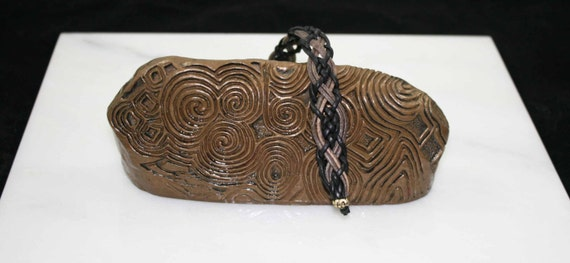 Celtic leather bracelet in black and grey