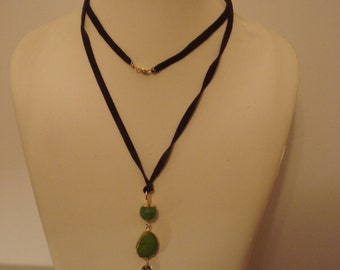 Suede necklace with pendant