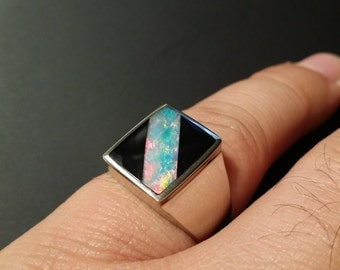 9ct Premium White Gold Contemporary Onyx/Opal Ring