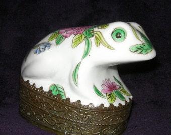 Vintage Ceramic Frog Mirrored Trinket Box.