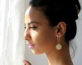 Pearl gold earrings, Long Pearl earrings, Pearl bridal earrings, pearl crystal earrings, Pearl wedding earrings, Gold long earrings