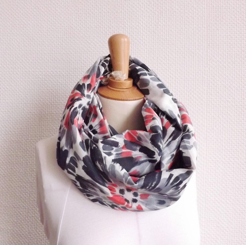 100 made in france grey pink flower infinity scarf. Black Bedroom Furniture Sets. Home Design Ideas