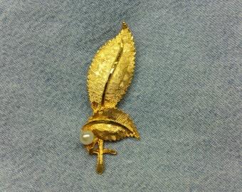 Vintage Gold Leaf Brooch (1960's) VJ-0038