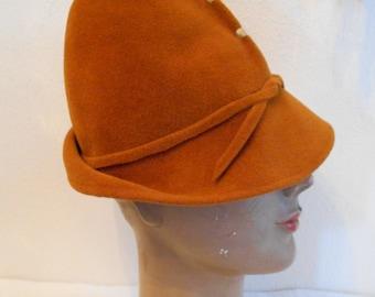 Cool 1940's-60's Robin Hood/fedora camel Colored Felt Hat