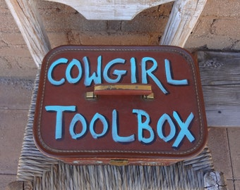 Cowgirl toolbox vintage luggage tooled leather turquoise perfect for the cowgirl in you fantastic piece hand painted beautiful carry all