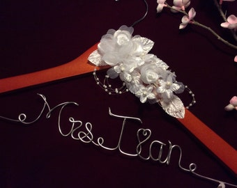 Personalized wedding hanger, Bride hanger, wedding dress hanger, white Rose hanger
