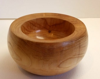 Wood Bowl Juniper chunky rim hand turned InTurn UK Woodturner home decor