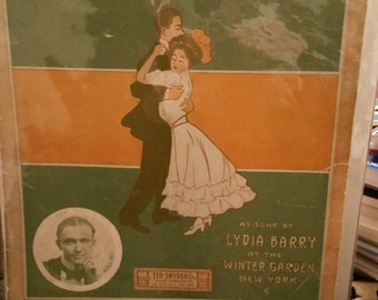 Vintage Sheet music  Everyone's Doing it Now