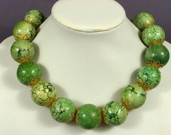 Necklace Grass Green Turquoise Howlite 30mm Round 925 NSTG5147