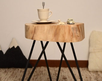 Coffee table without natural bark