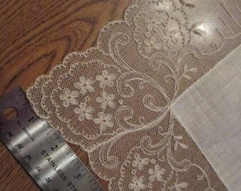 Wide lace linen handkerchief