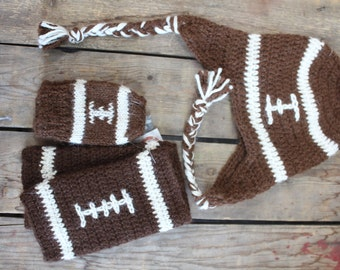Football hat and legwarmer in alpaca handcrafted in Quebec