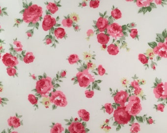 Floral Fabric on Ivory. Quilt Weight Cotton Fabric, 100% Cotton - Fat Quarter