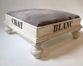 Classic wooden Cat Bed