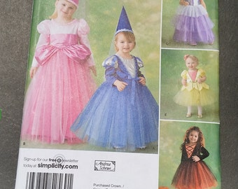 Simplicity 2569 Toddler's and Child's Costumes Size AA (1/2, 1, 2, 3)