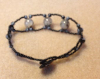 Black & Grey Marble looks Beaded Bracelet B005