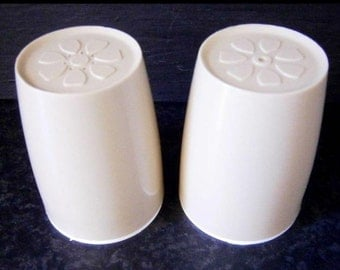 retro salt and pepper shakers decor