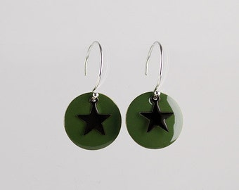 """Khaki round silver earrings with black stars """"Huit"""""""
