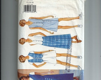 Butterick Misses' Skirt , Shorts, and Top Pattern 4551