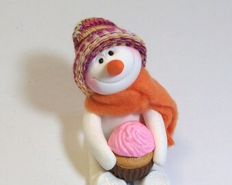 Cupcake Love snowman ornament with pink cupcake